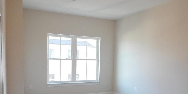 8 Gables East Blvd 303 Master Bedroom gwebiste