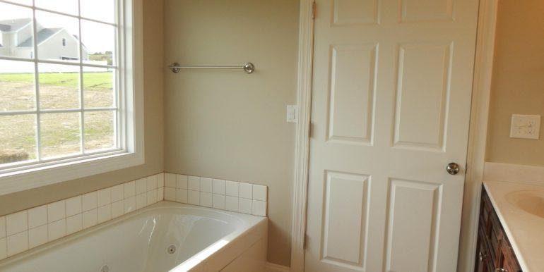 12 N Windsong Ct (Prestwyck) Master Bathroom