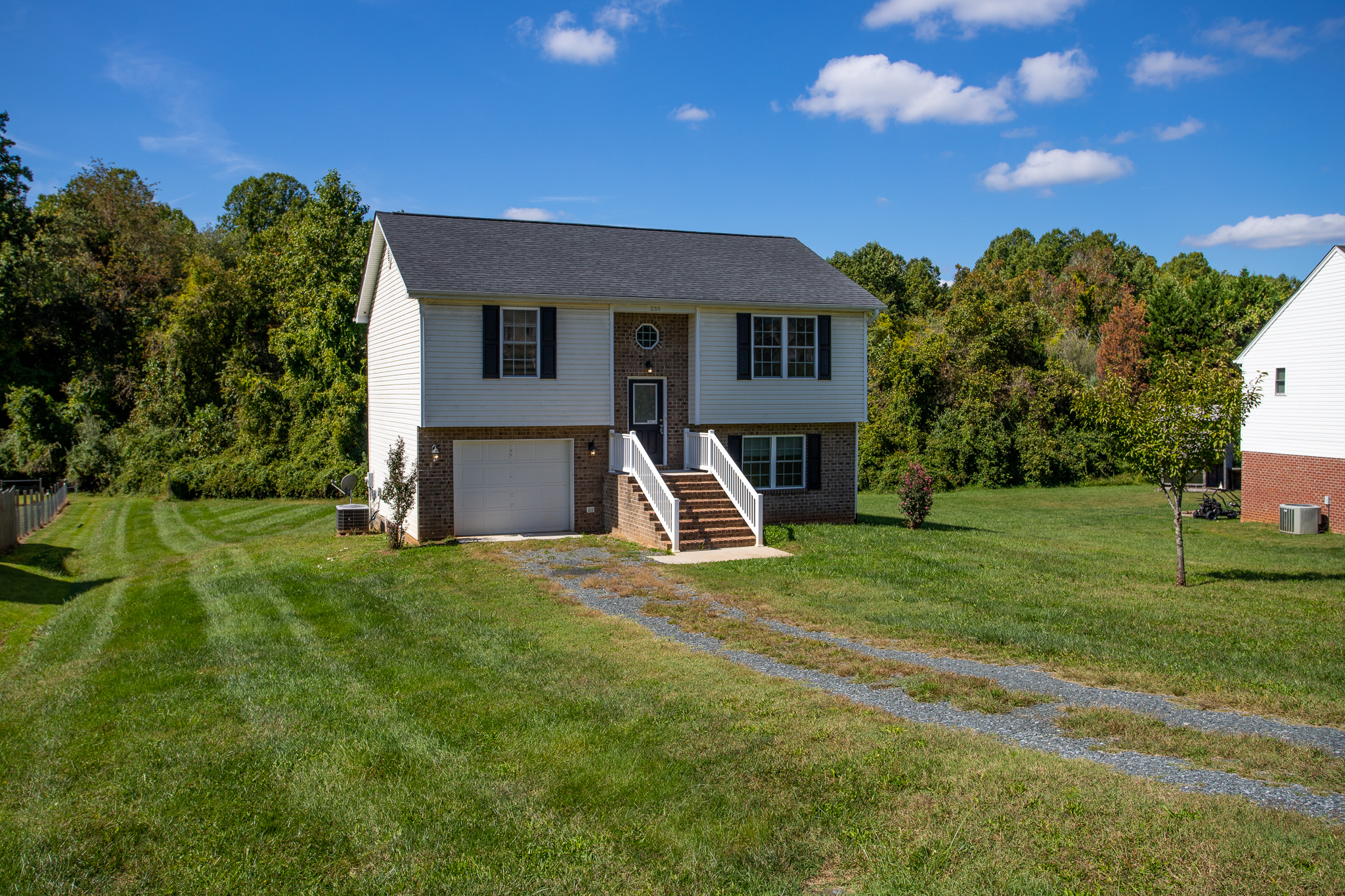 Convenient Location with a Large Lot and Spacious Home! 259 Todd Lane, Madison Heights